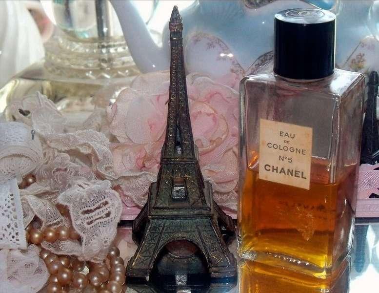фото самого первого парфюма нас