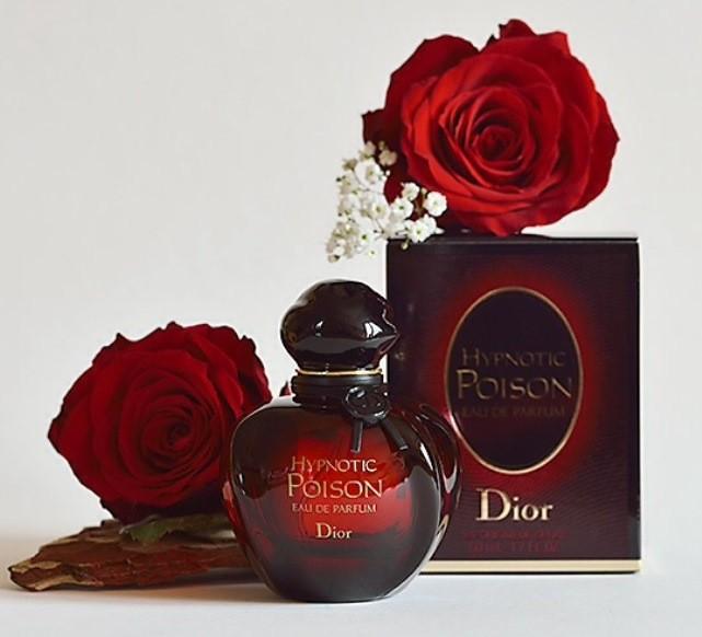 Тайна легендарных парфюм Christian Dior Hypnotic Poison Eau Secrete